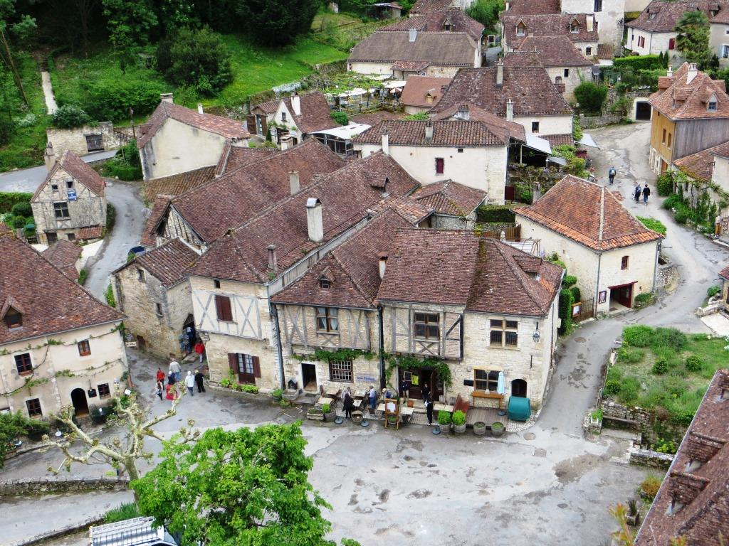 Saint-Cirq-Lapopie – one of the region's many hilltop villages